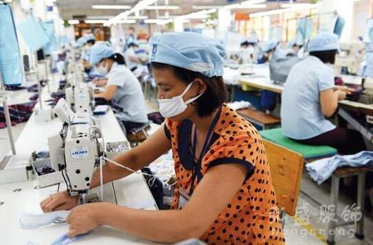 疑因中国成本优势不在 优衣库生产线迁往东南亚