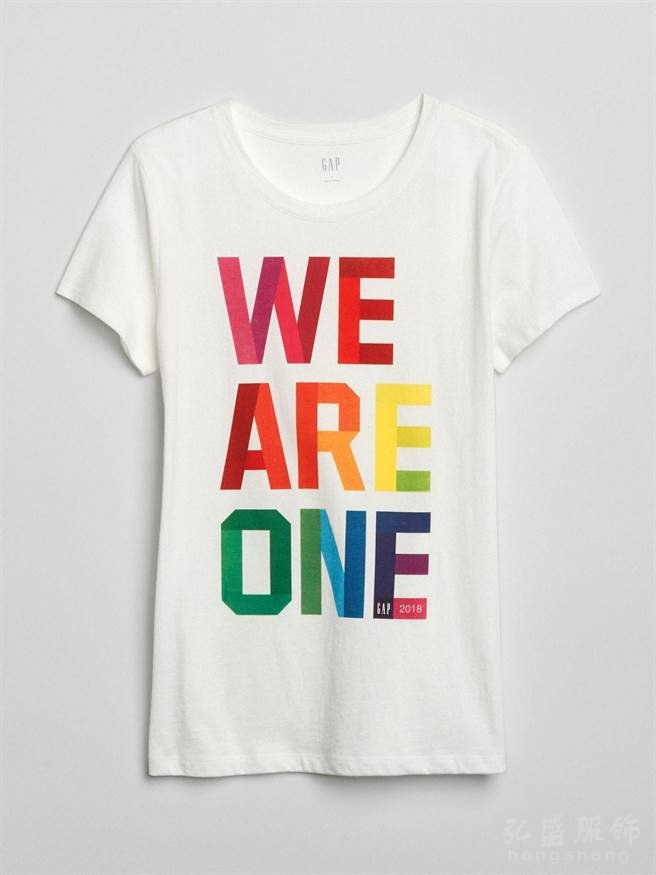 Gap支持性別平等权利 捐出彩虹T恤销售净利的20%