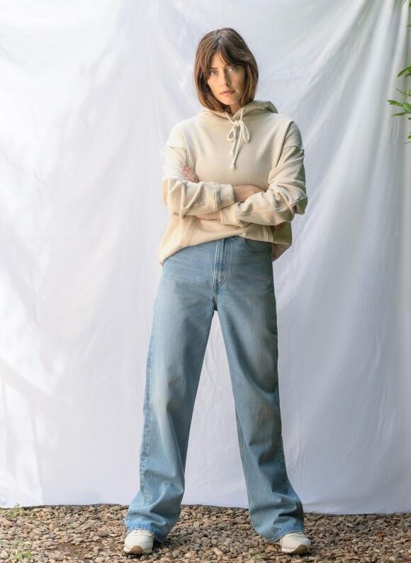 Levi's推出了有史以来最可持续的牛仔裤 有机棉和循环纤维制成